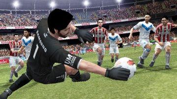 Immagine -4 del gioco Pro Evolution Soccer 2013 per Playstation PSP