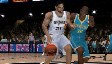 Immagine -5 del gioco NBA 2K11 per Playstation PSP
