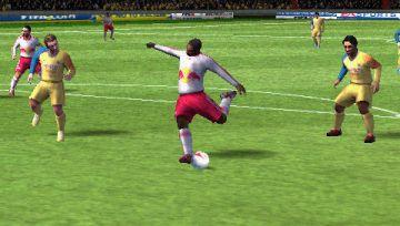 Immagine 0 del gioco FIFA 12 per Playstation PSP