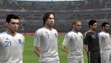 Immagine -1 del gioco Pro Evolution Soccer 2012 per Playstation PSP