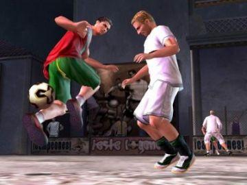 Immagine 2 del gioco FIFA Street per Playstation 2