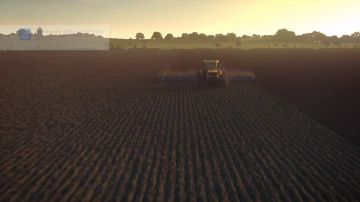 Immagine 0 del gioco Farming Simulator 17 per Playstation 4