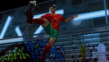 Immagine -5 del gioco FIFA Street 2 per Playstation PSP