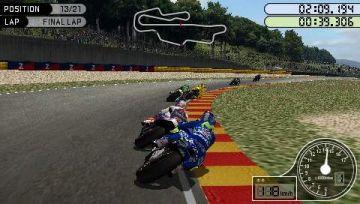 Immagine -2 del gioco MotoGP per Playstation PSP