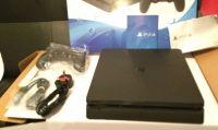 Un nuovo unboxing ci mostra l'ancora 'misteriosa' PS4 Slim