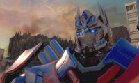 Tre versioni di Optimus Prime in Transformers: Rise of the Dark Spark