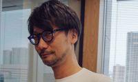 Kojima tenta i propri seguaci su Twitter con la maglietta ''It's a Sony''