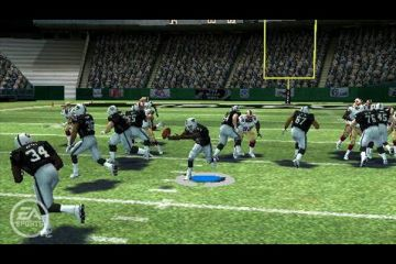 Immagine -4 del gioco Madden NFL 08 per PlayStation PSP