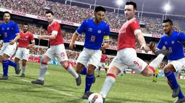 Immagine -3 del gioco Pro Evolution Soccer 2013 per PlayStation PSP