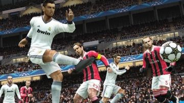 Immagine -2 del gioco Pro Evolution Soccer 2013 per PlayStation PSP