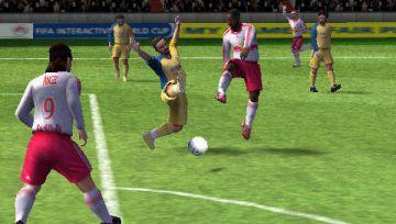Immagine -1 del gioco FIFA 12 per PlayStation PSP