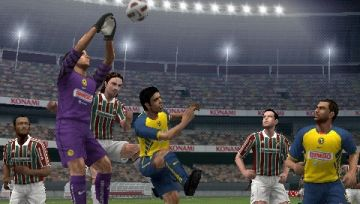 Immagine -5 del gioco Pro Evolution Soccer 2012 per PlayStation PSP