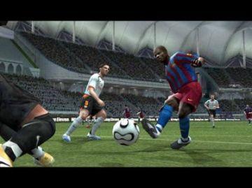 Immagine -5 del gioco Pro Evolution Soccer 6 per Playstation 2