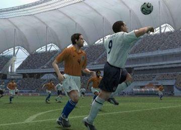 Immagine -3 del gioco Pro Evolution Soccer 6 per Playstation 2