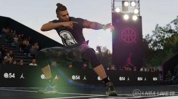 Immagine -3 del gioco NBA Live 19 per Xbox One