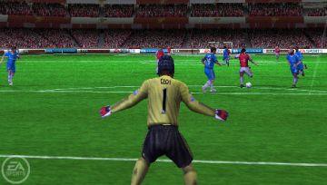 Immagine -4 del gioco FIFA 11 per PlayStation PSP