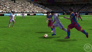 Immagine -3 del gioco FIFA 11 per PlayStation PSP