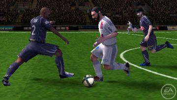 Immagine -2 del gioco FIFA 11 per PlayStation PSP