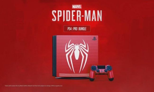 Compare in rete la foto di una PS4 Pro a tema Spider-Man